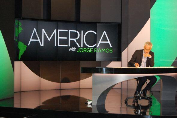 "Como el propio Jorge Ramos lo dice, son ""news with an accent"". (Credito:..."