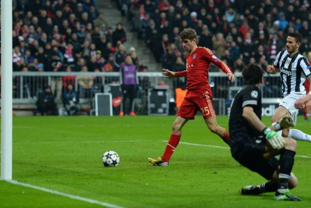 Luego Thomas Muller hizo el 2-0 y el Bayern viajará con buena ventaja pa...