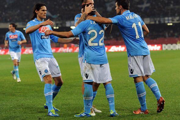 El argentino Ezequiel Lavezzi abrió el marcador.
