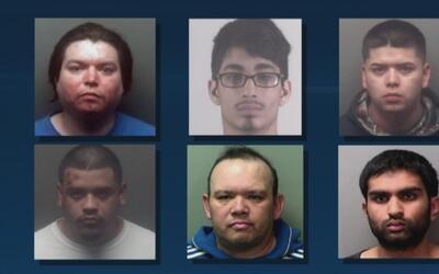 Arrestan a hombres acusados de ofrecer dinero, tacos y una soda a menore...