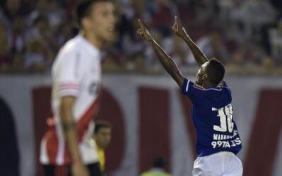 Marquinhos anotó en el final del partido para darle el triunfo a los bra...