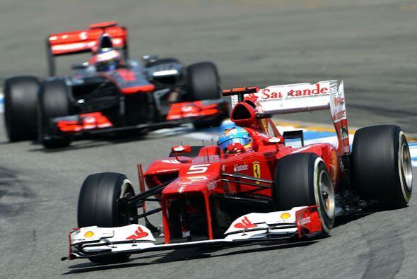 Uno de los momentos más emocionantes fue cuando Alonso y Hamilton...
