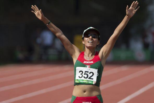 Brenda Eunice Flores aseguró el metal dorado en los 10 mil metros...