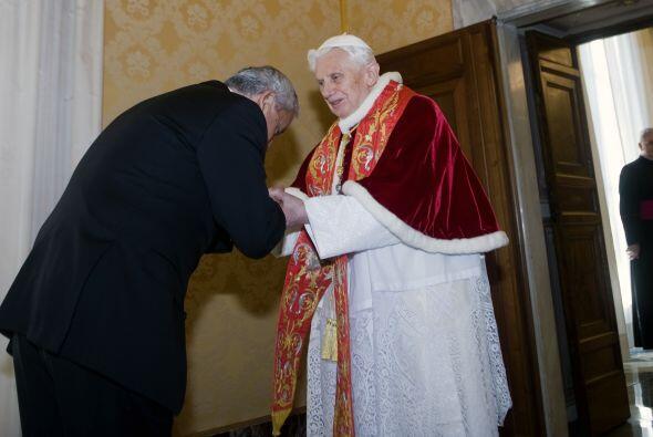 3. ¿Es verdad que Benedicto XVI tiene un marcapasos?Sí, es verdad que Be...
