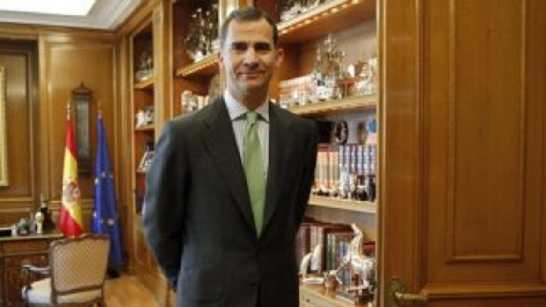 El nuevo rey de España, Felipe VI, inició su reinado con una reunión con...