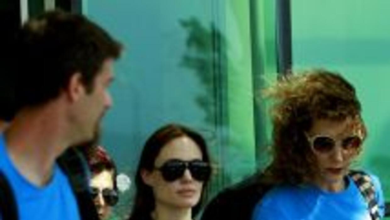 Jolie pasó dos horas y media con los refugiados, los saludó en árabe y h...