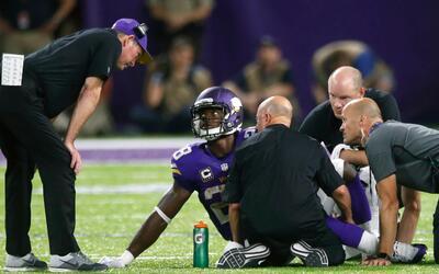 Adrian Peterson salió lesionado ante Packers