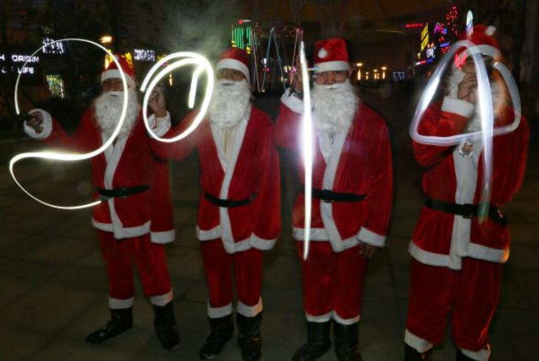 Otros Santa Claus, tomaron las calles de China.
