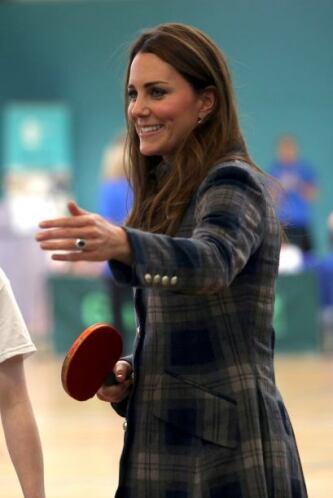 Por la sonrisa de Kate, podemos adivinar quién va ganando, ¿no?
