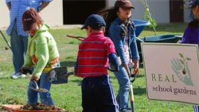 Escuela primaria de Fort Worth pone el ejemplo de verdadero trabajo comu...