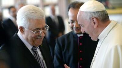 El presidente de Palestina Mahmoud Abbas y el papa Francisco.
