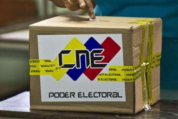 El Consejo Nacional Electoral calcula que los resultados podrían...