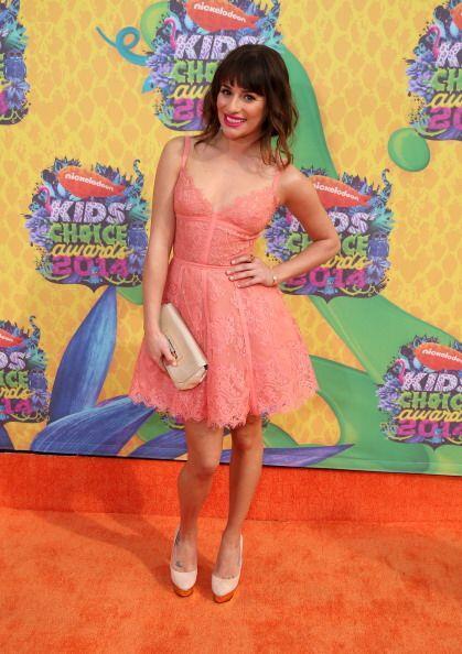 Un coqueto vestido melocotón de encaje fue con lo que Lea Michele  nos r...