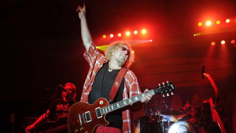 MIAMI BEACH, FL - FEBRUARY 22: Michael Anthony and Sammy Hagar perform d...