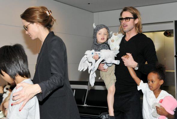 Angelina y Brad tienen seis hijos, tres  adoptados y tres biológicos.  M...