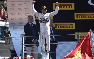 Hamilton logra su victoria 40 en Monza