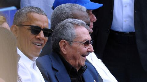 Disidentes GettyImages-Obama-Castro-Baseball-Game.jpg