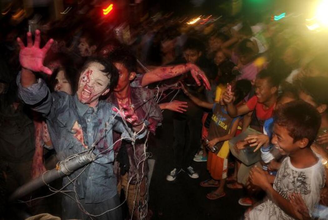 El terror se apodero de las calles de Manila, Filipinas durante el tradi...