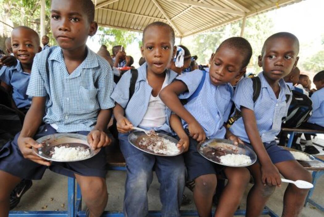 En una zona donde dos escuelas destruidas se fusionaron, la Unicef (Fond...