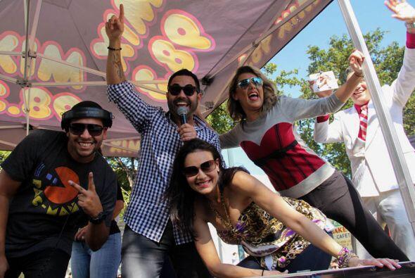 DJ Xtreme, Enrique Santos, Giselle Andrés, y Luisa Fernanda! Una parte d...