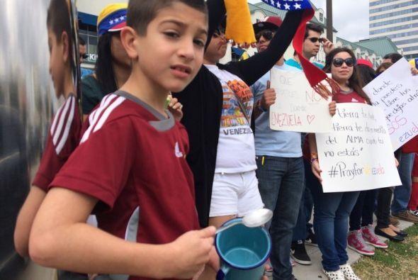 Venezolanos salen a la calle de Houston