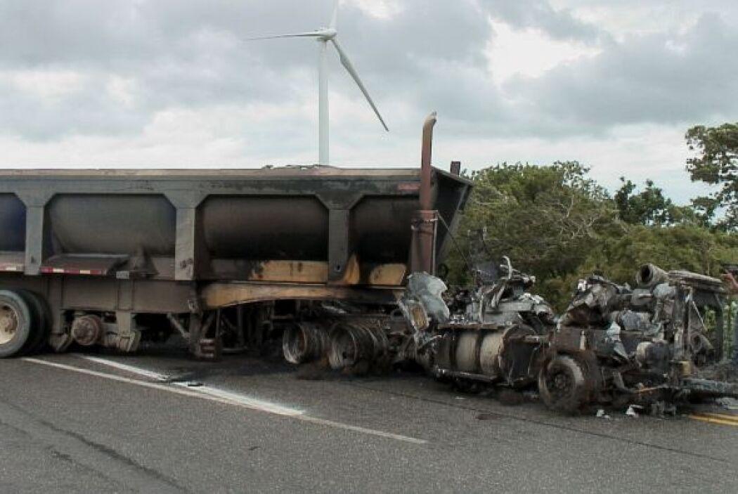 Un autobús se quemó en Juchitan.