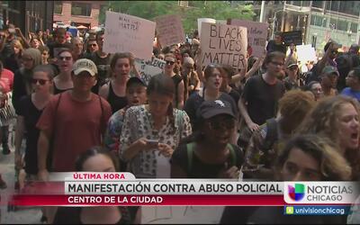 Continúan las protestas por abuso policial en Chicago