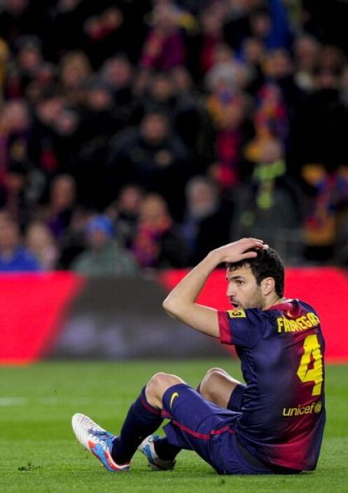 Casc pidió penalti en esta caída dentro del área del Madrid.