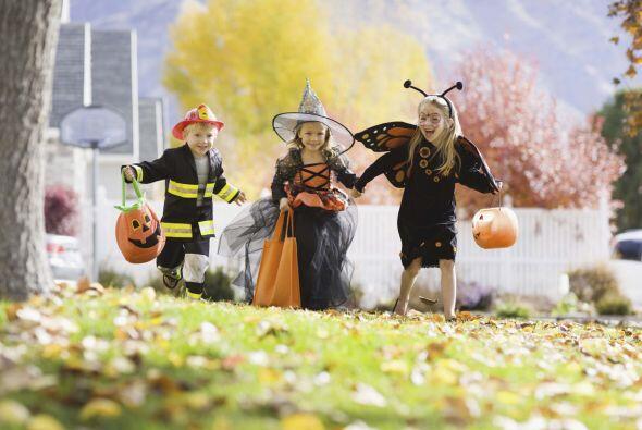 Halloween ya está aquí, dulce de calabazas, caramelos, pos...