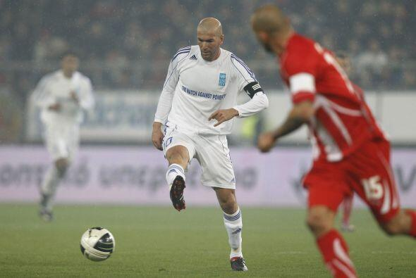 La presencia de Zidane ocasionó un delirio entre el público y, más tarde...