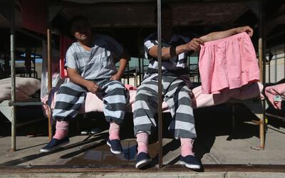 Inmigrantes indocumentados detenidos en la cárcel del condado Mar...