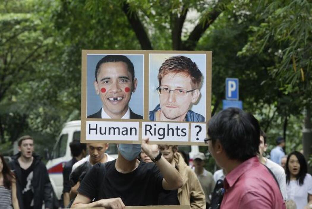 """""""No podemos consentir que los gobiernos nos controlen y nos vigilen como..."""