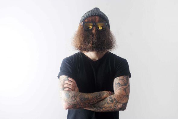 Michael notó lo rápido que creció su barba en ese t...
