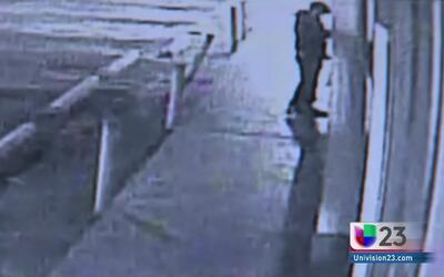 Captan en cámara un robo de miles de dólares en una panadería