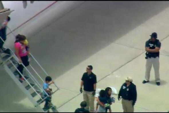 Esta mañana, un grupo de 170 personas, familias con niños arribaron al S...