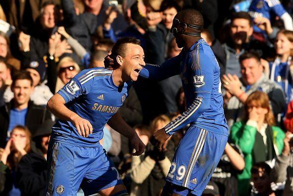 El defensa John Terry convirtió el cuarto y último gol de Chelsea, que y...