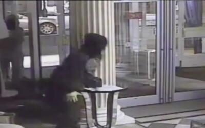 Ladrones realizan operación tipo comando para asaltar una tienda en Pens...
