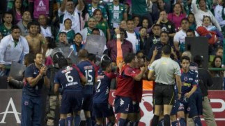 Veracruz ganó de último minuto en León.