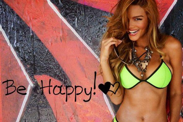 Con un hermoso mensaje: ¡sé feliz!