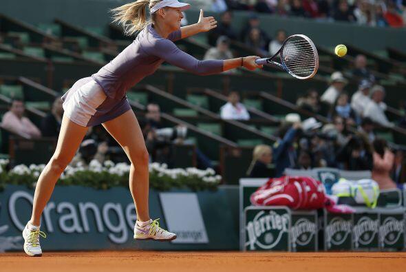 La campeona defensora, la rusa María Sharapova, se impuso muy f&a...