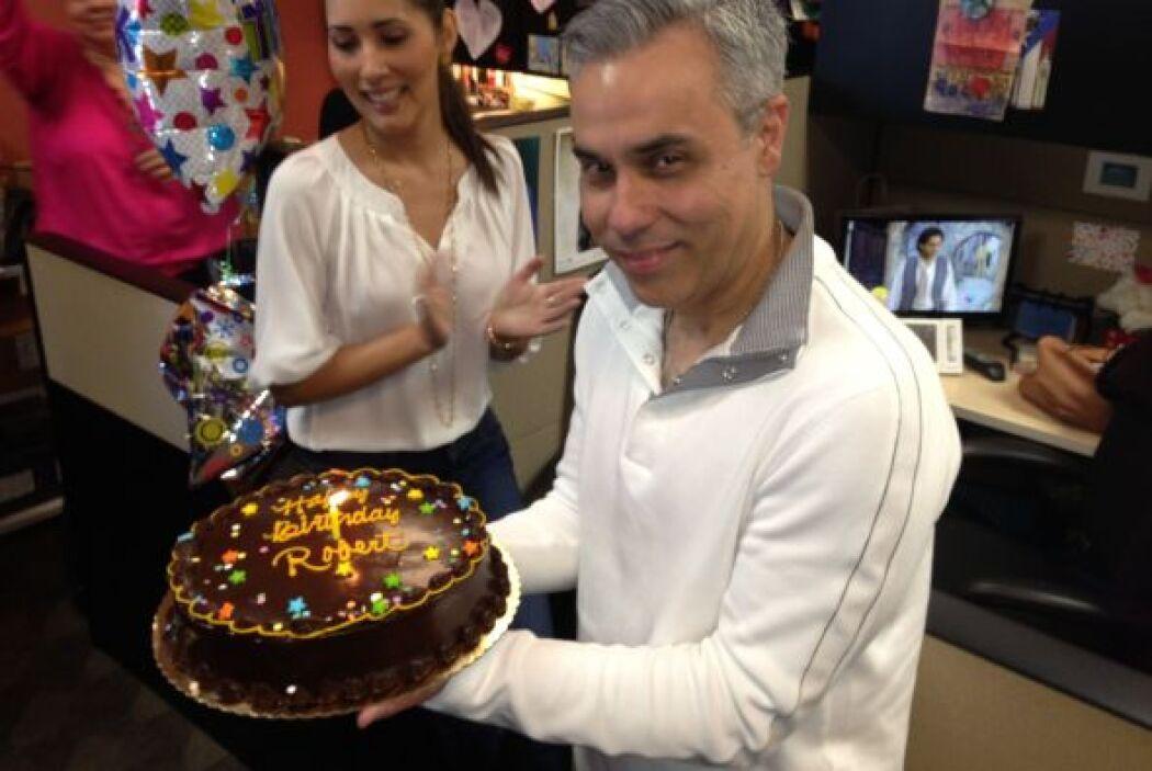 Celebramos el cumpleaños de nuestro editor Roberto Couto.