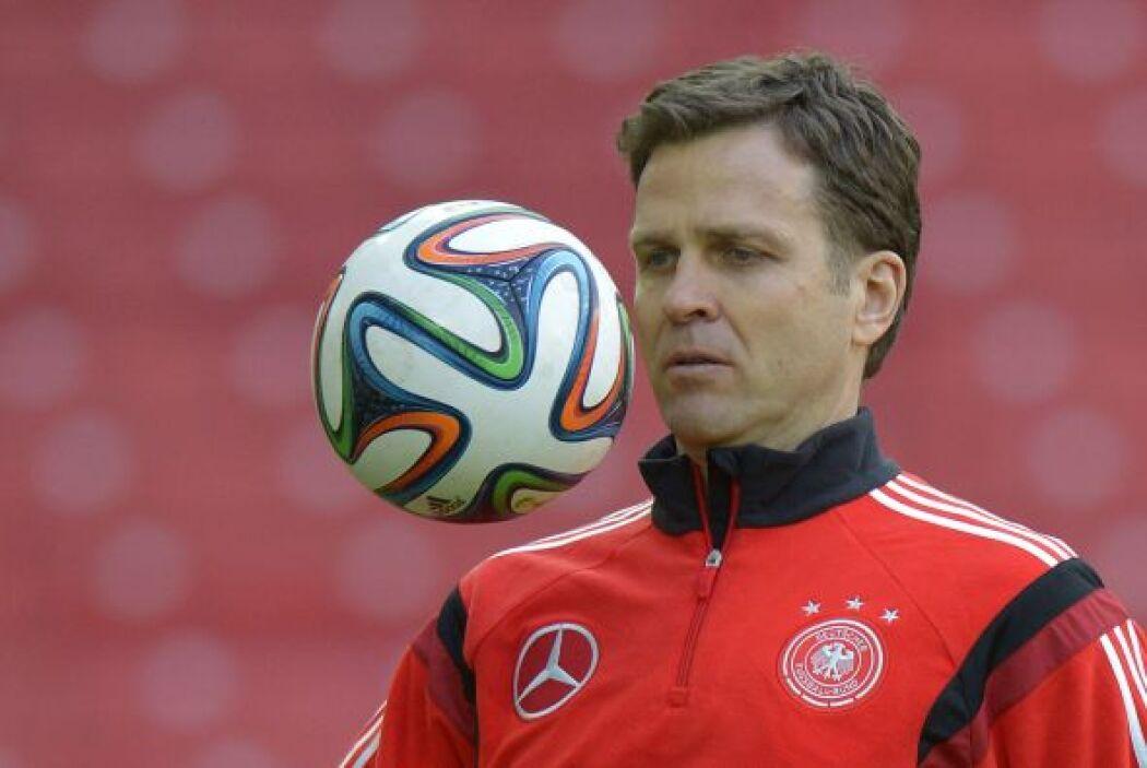 OLIVER BIERHOFF - El delantero del Milan y Alemania, era bien conocido p...
