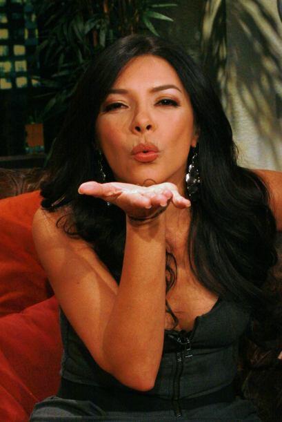 La colombiana mandó un besito a todos sus admiradores.