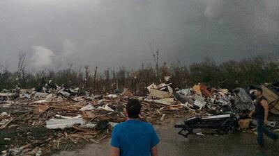 Captado en video el momento en que un tornado toca tierra en Arkansas