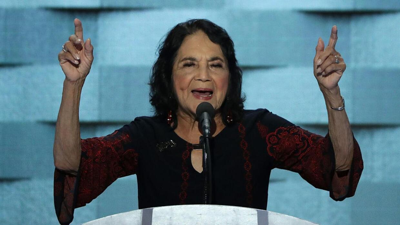 Dolores Huerta: con Donald Trump en la boleta, no podemos quedarnos call...