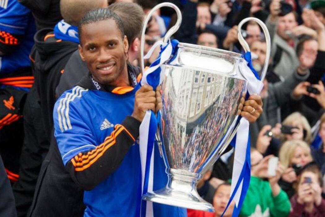 Didier Drogba, el gran héroe de Chelsea al marcar el gol en tiempo regul...