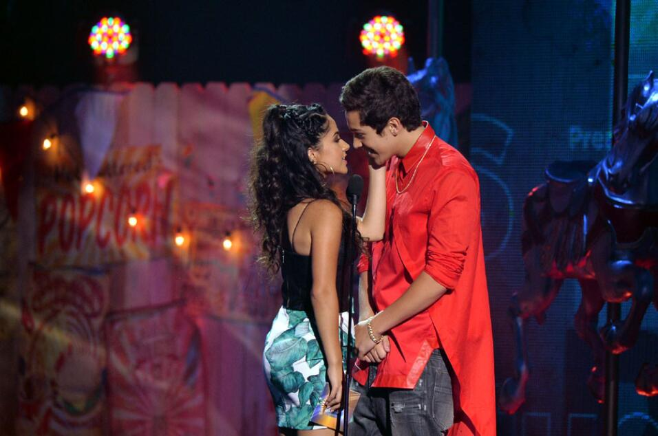 Becky G y Austin Mahone en Premios Juventud