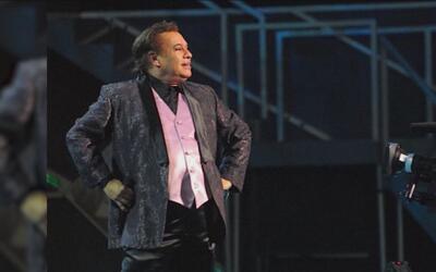 Al ritmo de sus canciones fans de Atlanta se despiden de Juan Gabriel