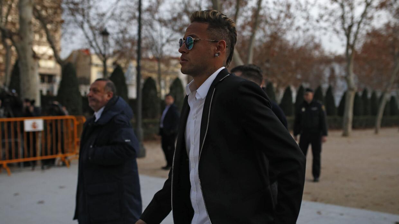Neymar sólo firmaba lo que decía su padre