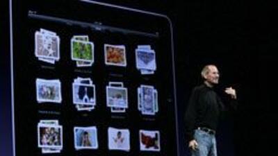 Steve Jobs presentó el iPhone 4. Tiene nuevo diseño y más resolución 45a...